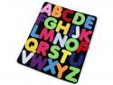 tablica z filcu z literkami