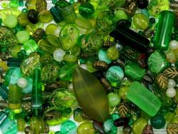 koraliki szklane 150 gram - mix zielony