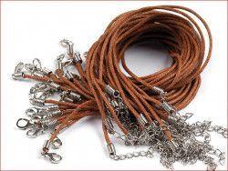 sznurek bawełniany wosk. brązowy z zapięciem