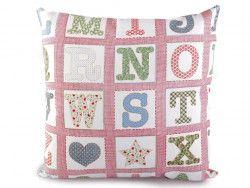poszewka na poduszkę z literkami różowa
