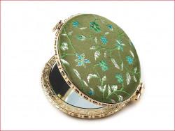 lusterko kieszonkowe z haftem zielone