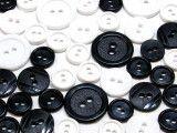 guziki mix 3 wielkości 40szt. biało-czarny