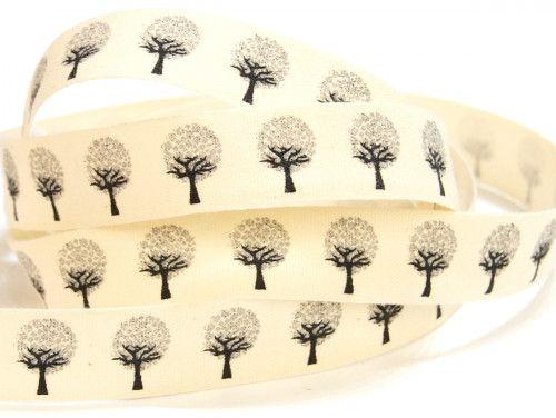 wstążka bawełniana drzewa z liśćmi